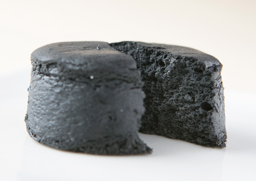 老舗お茶屋千紀園(せんきえん)の竹炭濃チーズケーキ。抹茶スイーツ