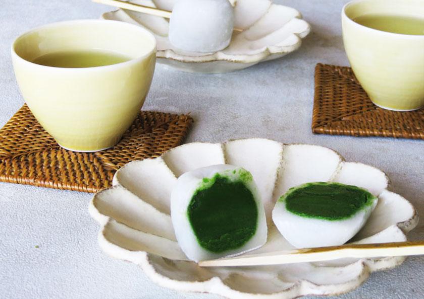 上質な宇治抹茶を贅沢に使用した抹茶大福はお茶時間におすすめ